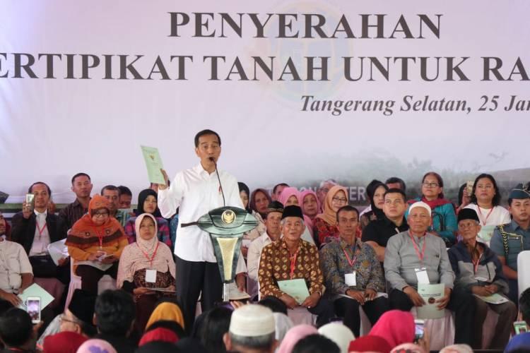 Warga Tangsel Sumringah, Jokowi Sebar 40 Ribu Lebih Sertipikat Tanah Gratis