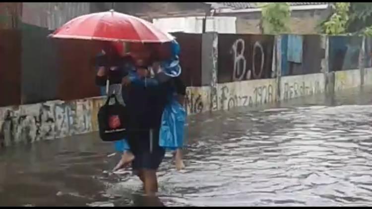 Langganan Banjir Bikin Galau, Warga Pegadungan : Lurah Ngapain Aja Ya?