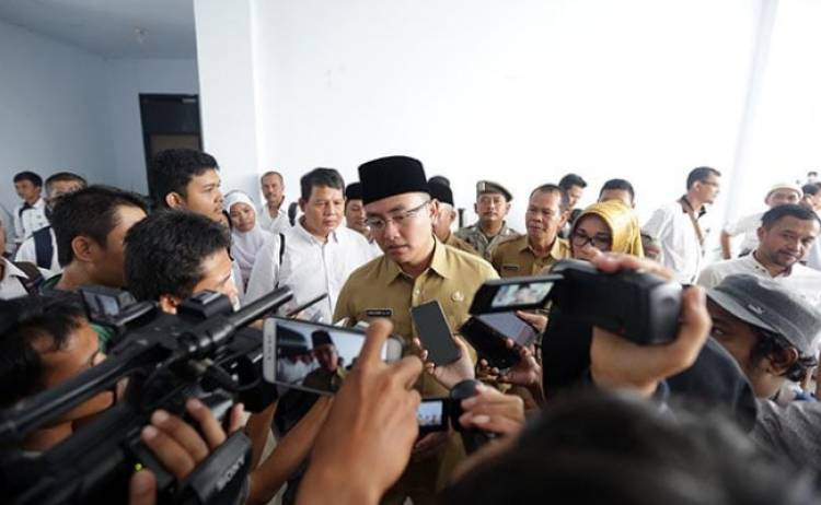 Tingkatkan Melek Baca, Pemprov Banten Wajibkan Kepala Desa Bangun Perpustakaan