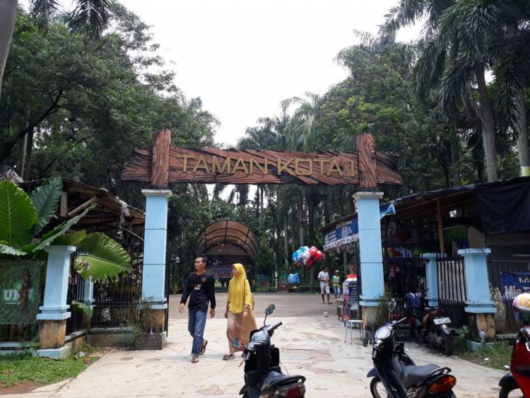 Dear : Bu Airin, Warga Tangsel Butuh Musala di Taman Kota 1