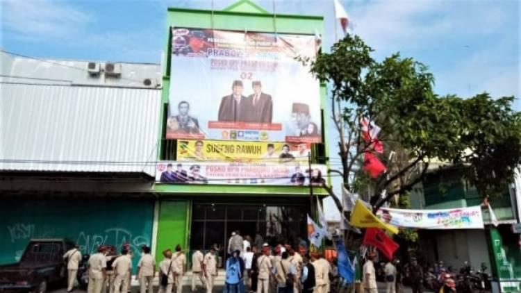 Posko Prabowo-Sandi di Dekat Rumah Jokowi Diobok-obok Maling