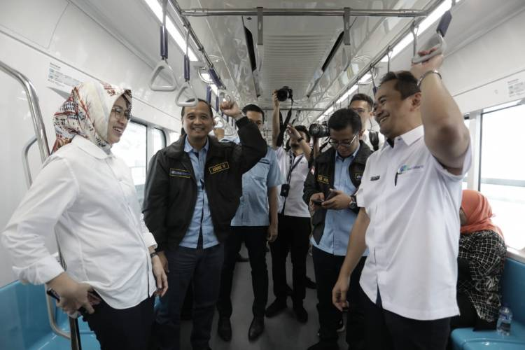 Ngebet Biar Sampe Tangsel, Airin Ajak Anak Buah Nyoba MRT
