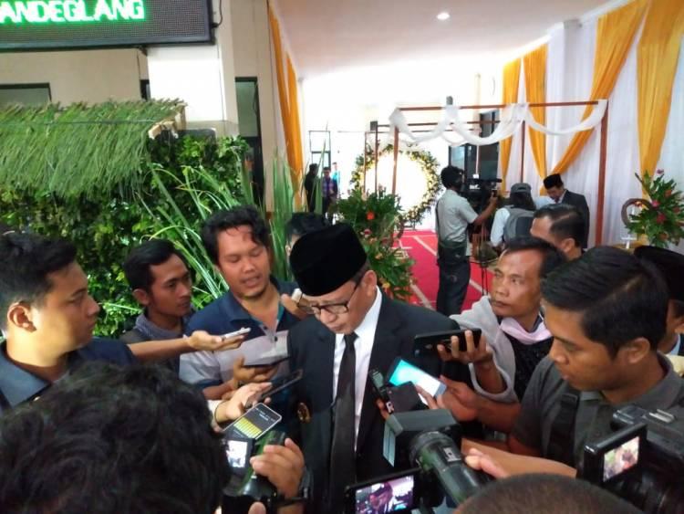 Fokus Bangun Banten, Gubernur WH 'Bodo Amat' Diterpa Opini Negatif