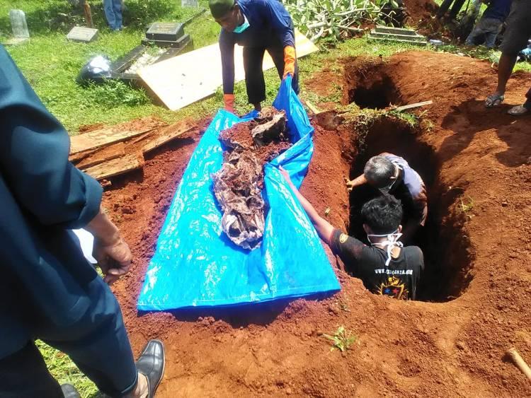 Ahli Waris Ratapi Kuburan di Pamulang Digusur Proyek Tol Sercin