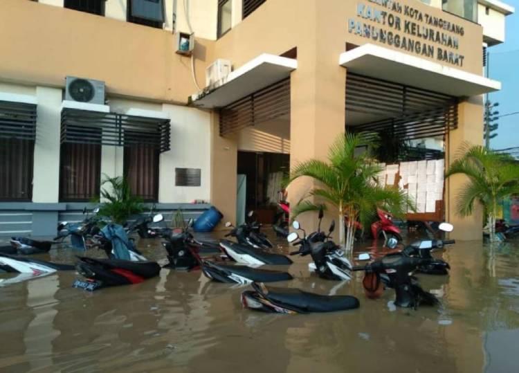 Sungai Cisadane Meluap, Ratusan Rumah di Kota Tangerang Jadi Lautan