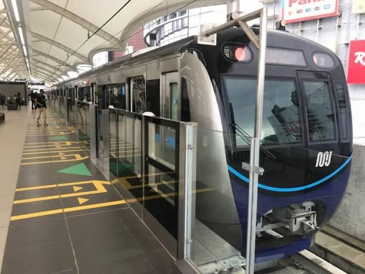 Ngabuburit Yuk.. Setelah Rusuh 22 Mei, MRT Kembali Beroperasi
