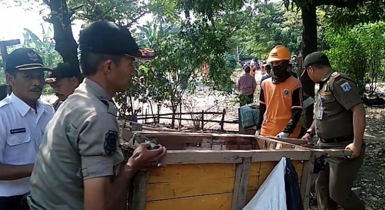 Jadi Lokasi Mesum, 7 Gubuk Liar di Sukabumi Selatan Ditertibkan