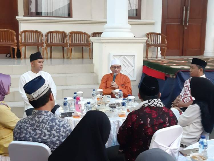 Dikirimi Parcel, Gubernur Banten Serahkan ke UPG KPK