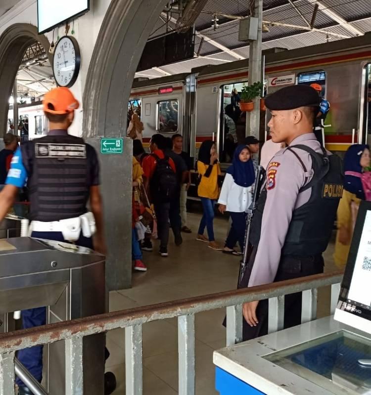 Antisipasi Gangguan Kamtibmas, Polda Banten Lakukan Pengamanan di Area Stasiun Kereta Api
