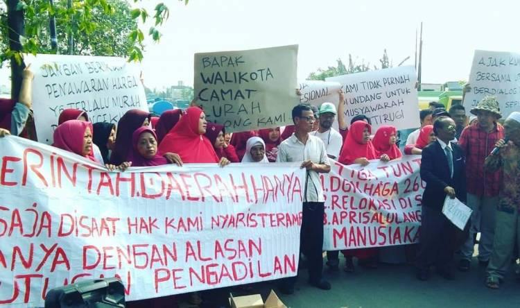 Demo Kec Benda, Warga Minta Pemkot Tangerang Jangan Cuek Soal Pembebasan Lahan Tol