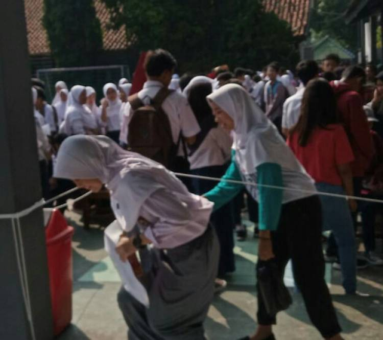 Di Kota Tangerang, Orang Tua Siswa Keluhkan Proses PPDB Lamban dan Kurang Persiapan Pihak Sekolah