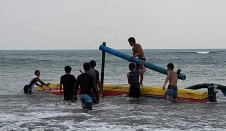 Ombak Laut Anyer Banten Makan Korban
