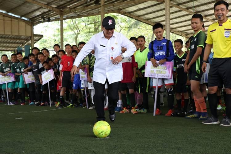 Peringati Hari Pramuka ke 58, Kak Rudi Buka Turnamen Futsal dan Catur Antar Penggalang se Kab Tangerang