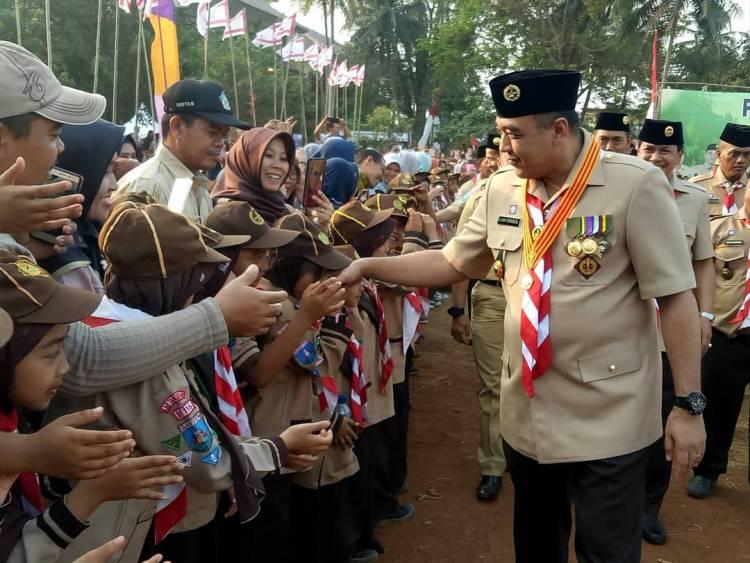 Zaki Layak Disebut Bapak Pramuka, Beri Hadiah Kwarcab Kab Tangerang Gedung Serbaguna