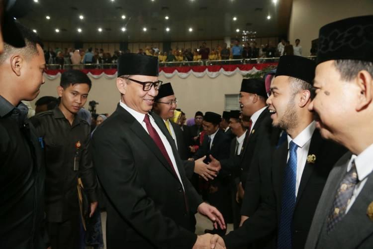 Gubernur WH Ajak DPRD yang Baru Dilantik 'Romantis' Demi Masyarakat Banten