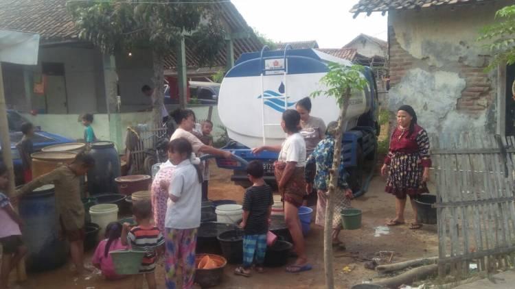 Hadapi Kekeringan, PDAM TKR Sebar Air Bersih Gratis 1,5 juta Liter Lebih Untuk Masyarakat