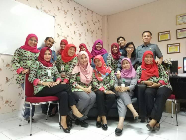Peringati Hari Batik Nasional, Pegawai RSUD Balaraja Kenalkan Motif Khas Kab Tangerang