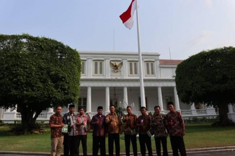 Kemenangan Demokrasi, Rakyat Indonesia Diajak Jari 98 Rayakan Pelantikan Jokowi