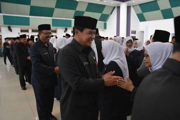 Lantik Puluhan Kepala Sekolah, Bupati Zaki Sebut Anggaran Pendidikan 30 Persen Untuk Tangerang Cerdas