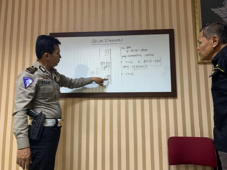 Truk Salahi Jam Operasional Tewaskan Mahasiswi UIN, Polres Tangsel Salahkan Korban