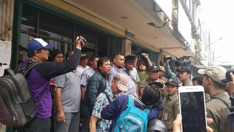 Ruko Dikosongkan Satpol PP, Pemkot Tangerang Bakal Dilaporkan ke Polda