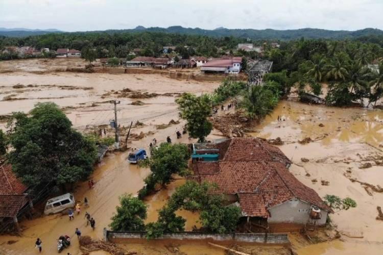 Penambangan dan Pembalakan Liar Salah Satu Penyebab Banjir Bandang Lebak
