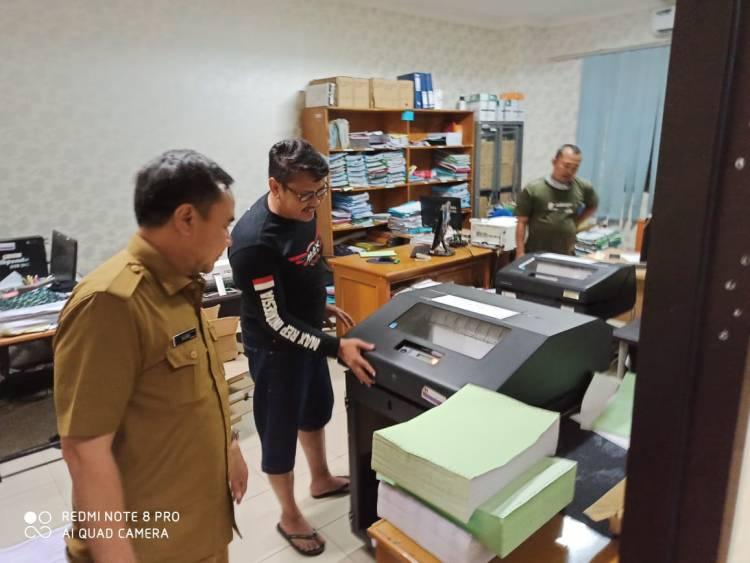 Kejar Target, Bapenda Kabupaten Tangerang Lembur Hingga Dini Hari Cetak SPPT 2020