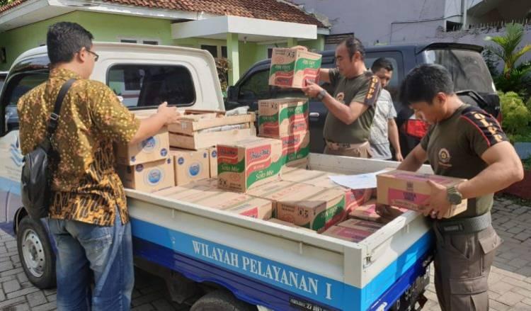 Tumbuhkan Empati, Perumdam TKR Salurkan Bantuan ke Korban Banjir Teluknaga