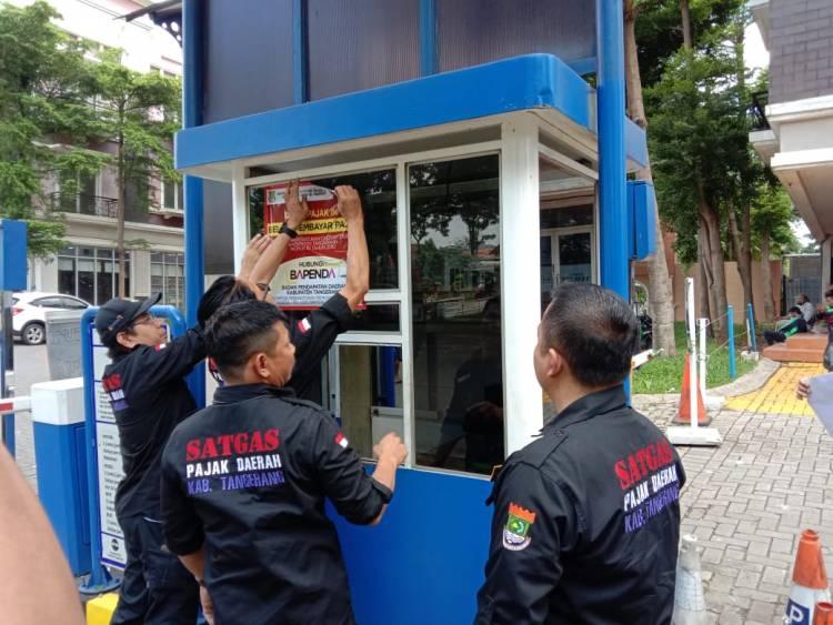 Bapenda Tangkab Obrak-abrik Gading Serpong, Auto Parking Tak Bayar Pajak