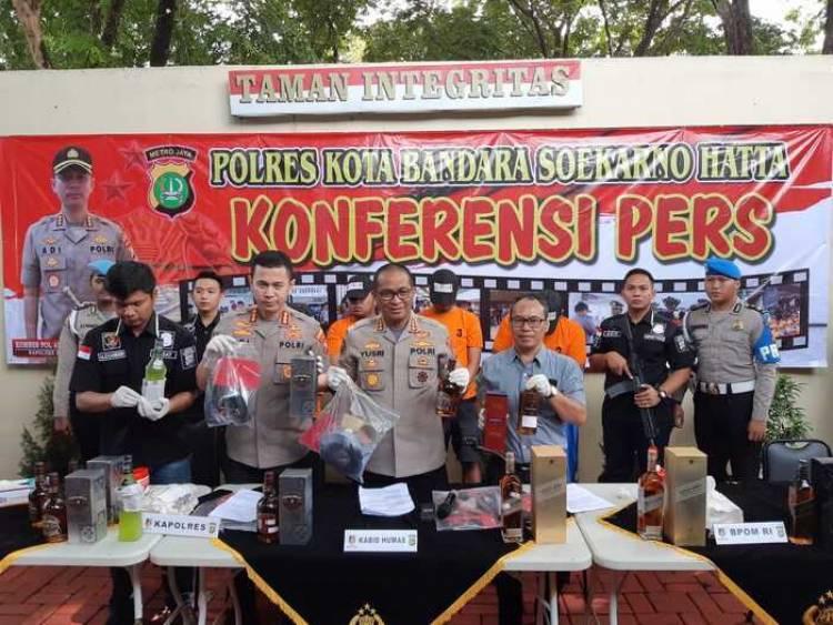 Berawal Chivas Regal Hingga Red Label Ditenggak Karyawan Kargo, Polresta Bandara Soetta Bongkar Pabrik Miras Palsu
