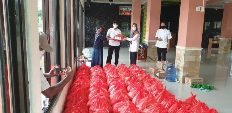 Kebanjiran Ditengah Covid-19, Pemkab Tangerang Bantu Sembako Warga Mustika Tigaraksa