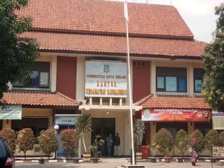 Miris! Di Bekasi Honor Petugas Covid-19 Diduga Dipotong Rp 100 Ribu Per Orang