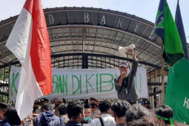 HUT Provinsi Banten ke-20 Digoyang Demo, Hutang Triliunan Buat Bangun Sport Center dan Pengangguran Disoal Mahasiswa