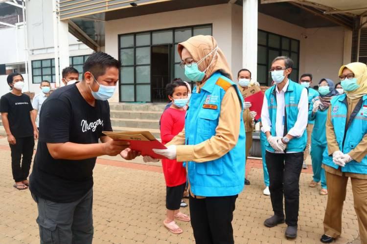 Usai Melepas 65 Pasien Covid-19, Airin : Bisa Lepas Masker Tapi Tetap Menerapkan Protokol Kesehatan
