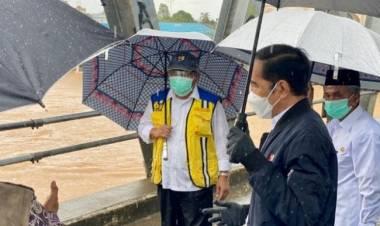 Banjir Terbesar 50 Tahun Terakhir, Jokowi Sebut Karena Curah Hujan