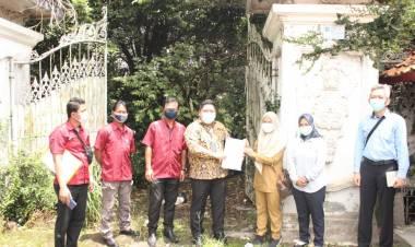 Disperkimta Menerima Penyerahan Lahan Fisik SMPN 23 Dari Bank Mayora