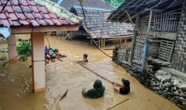 Ratusan Rumah di Tiga Kecamatan Lebak Terendam Banjir, Terbanyak di Rangkasbitung