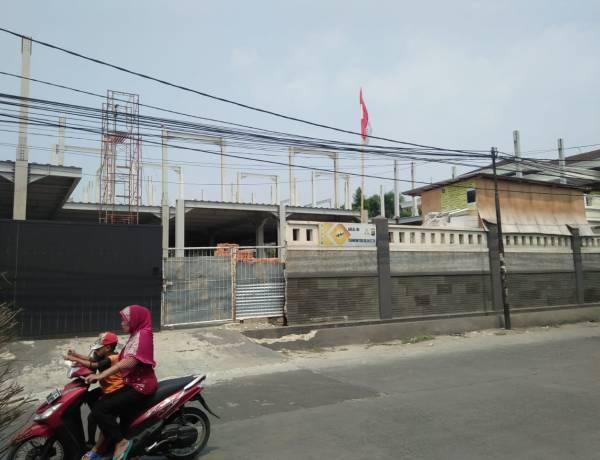 Bangunan Rangka Baja Diduga Kangkangi Perda, Kasie Citata Kebon Jeruk:Sudah Sesuai