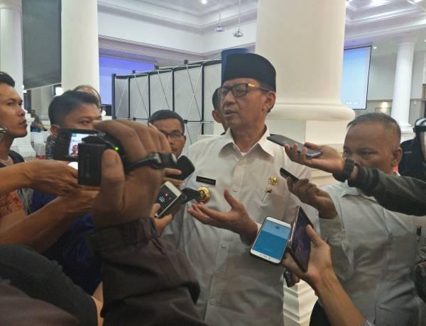 Saham Dihargai BJB 300 M, Gubernur Banten : Emang Dia Doang yang Punya Duit