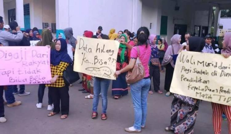 Kusut  PPDB Online, Rapat Bahas Zonasi Kepala Sekolah Se-Tangsel Dead Lock