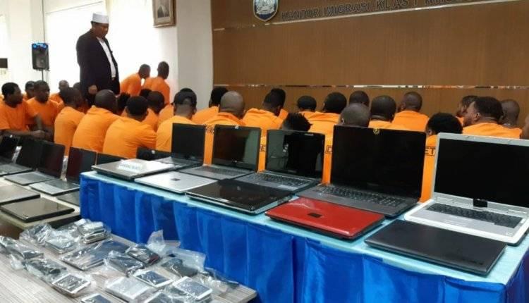 Tangerang Darurat Cyber Crime, Puluhan Laptop WNA Disita Imigrasi Bandara Soetta