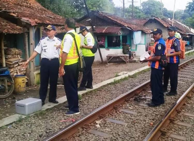 Jalur Kereta Api Rangkas-Labuan Dioperasikan Lagi, Ribuan Rumah Bakal Digusur