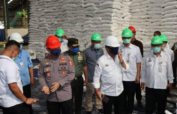 Mentan dan Kabareskrim Cek Stok Pabrik Gula di Serang, Kok Masih Langka Nih Pak?