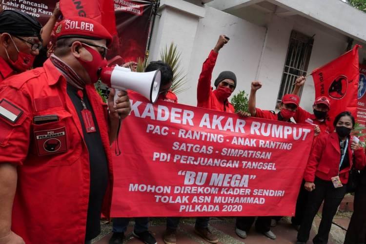 Perjuangkan Kader Internal, Akar Rumput PDIP Tangsel Demo Mega