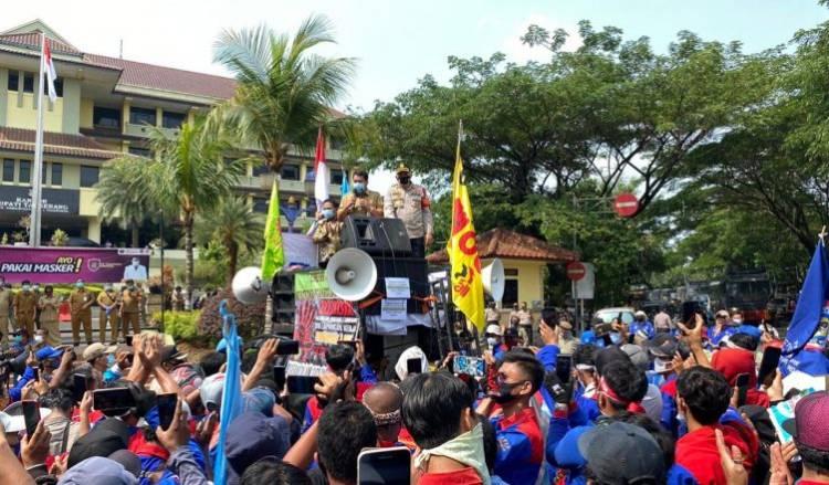 Pemkab Tangerang Janji Bakal Bawa Petisi Buruh ke Senayan