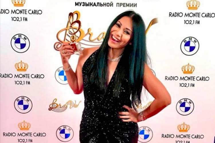 WOW! Anggun Kembali Bawa Piala Bergengsi Dari Rusia