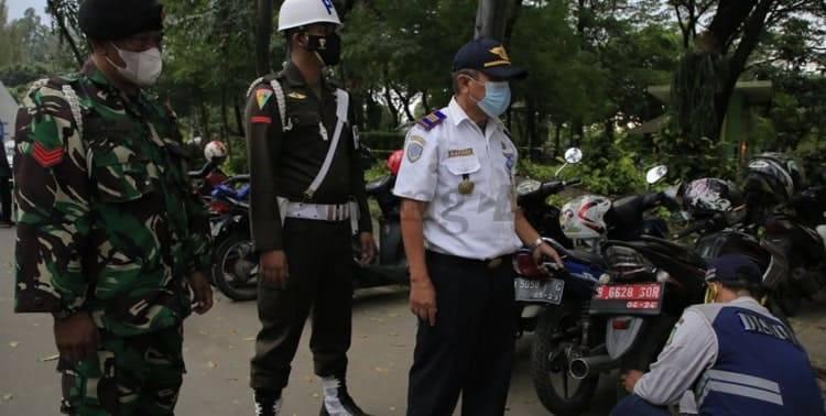 Penertiban Parkir Liar, Dishub Kota Tangerang Gembosi Ratusam Motor