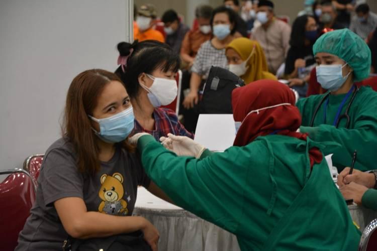 Pemkab Tangerang Siapkan 10 Ribu Vaksin, Lansia dan Tenaga Pendidik Bisa Vaksinasi ke ICE BSD