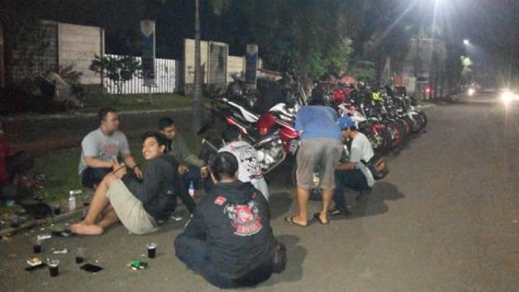 Asik Nongkrong, Puluhan Remaja Anggota Club Motor di Karawaci Dibekuk Polisi