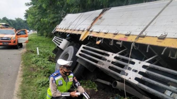 Kecalakaan di Tol Serang Barat, Satu Sopir Truk Tewas Ditempat